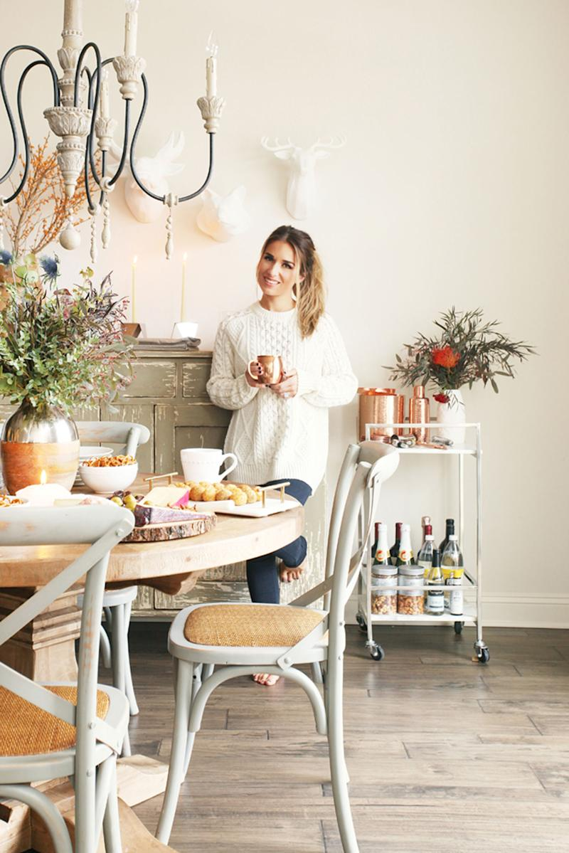 WATCH: Jessie James Decker Gives PEOPLE a Tour of Her Rustic-Glam Home