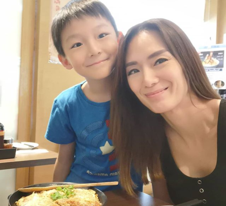 Singapore actress Jacelyn Tay and her son Zavier in November 2019. (PHOTO: Jacelyn Tay/Instagram)