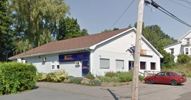 The Valley Credit Union in Canning, N.S., was the site of a botched robbery attempt in June 14, 2019. (Google Maps - image credit)