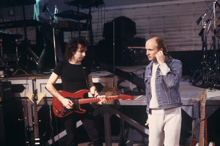 Joe Satriani and manager Mick Brigden at SIR Studios in New York City on February 20, 1988. (Ebet Roberts / Redferns)