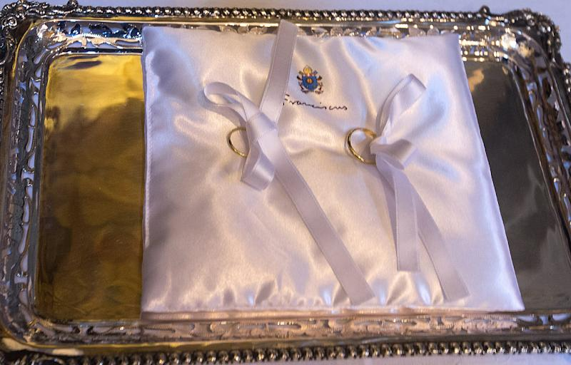 Pope Francis's hints about a possible opening on the issue of married priests are sowing confusion in the Vatican, shown here are wedding rings on July 5, 2014 in Rome (AFP Photo/Claudio Peri)