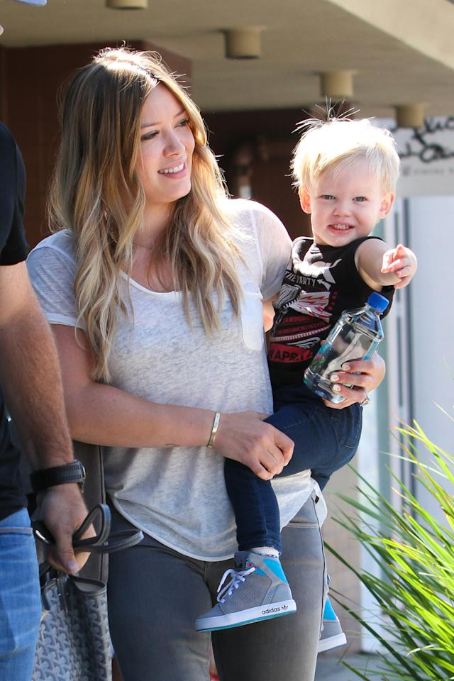 Some quality time was on the menu when Hilary Duff brought her son, Luca, to Beverly Hills deli Nate 'n Al's for a lunch date. (8/17/2013)