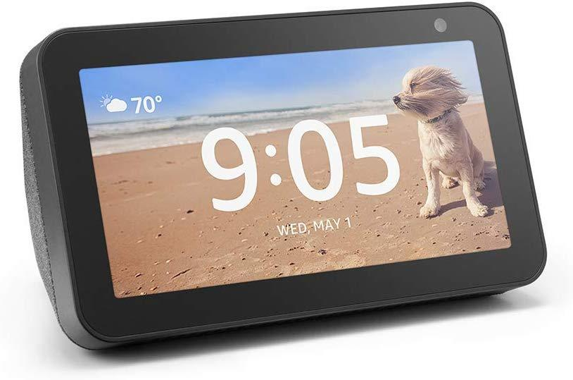 This smart display has a 4.5 out of five stars with over 7,100 reviews. (Photo: Amazon)
