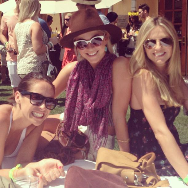 Newly single Julianne Hough enjoyed quality time with her gal pals.