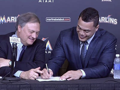 Giancarlo Stanton puts his faith in the Marlins, and now the real test begins