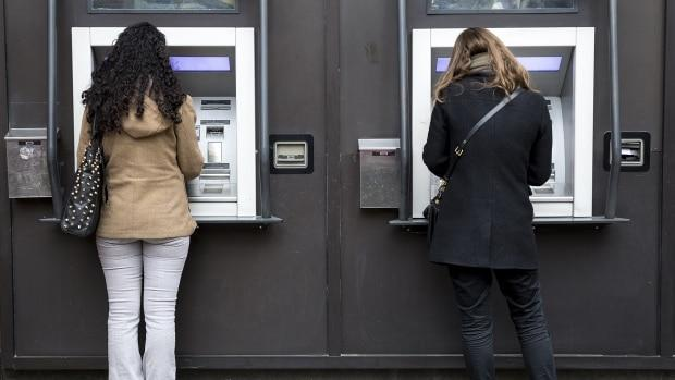 Canada's five big banks are revealing their quarterly profits this week, and the early numbers suggest the banks are raking in the cash. (David Donnelly/CBC - image credit)
