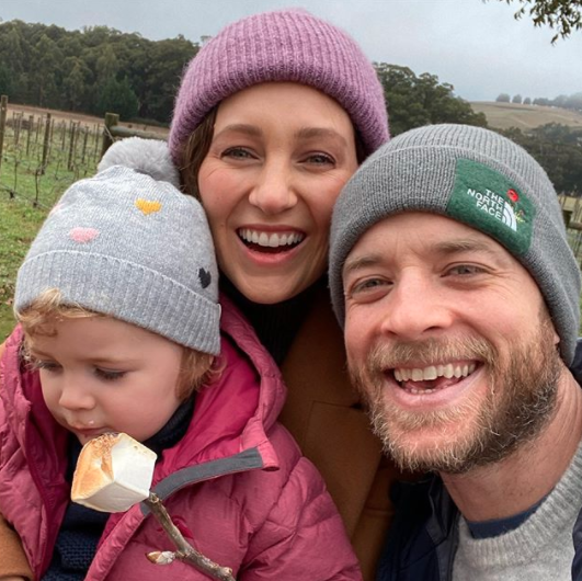 Hamish Blake with Zoe Foster Blake and Rudy daughter 2