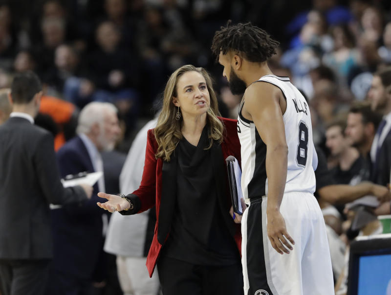Spurs assistant coach Becky Hammon reportedly has interest in the Knicks' head coaching job. (AP Photo/Eric Gay)