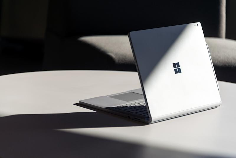 Microsoft Surface sales skyrocket, thanks in part to 'disappointing' Macbook Pros