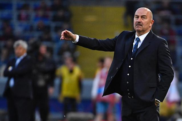 For Russian coach Stanislav Cherchesov, a draw with Turkey brought and unwanted record. (AFP Photo/Alexander NEMENOV)