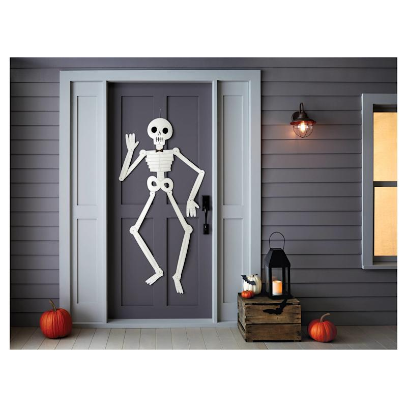 """Get it here from <a href=""""https://www.target.com/p/halloween-large-paper-skeleton-wall-decor-hyde-and-eek-boutique-153/-/A-52349771#lnk=newtab"""" target=""""_blank"""">Target</a>, $3."""