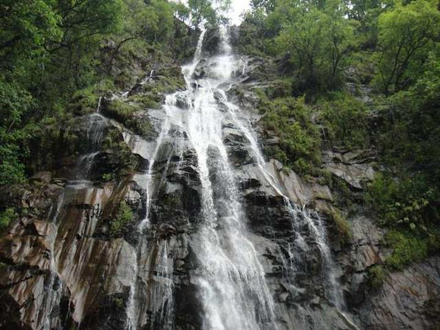 "Bee Falls near Pachmarhi, Madhya Pradesh. The story goes that the falls were so named by bathers for the stinging but refreshing spray from the falls. Located close to the army town of Pachmarhi, it is one of the most sought-after sights in the Satpura hills.<br><br>By <a href=""https://www.flickr.com/photos/90729069@N04/"" rel=""nofollow noopener"" target=""_blank"" data-ylk=""slk:nehagupta2008"" class=""link rapid-noclick-resp"">nehagupta2008</a>"