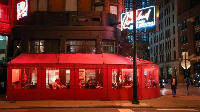 exterior of rosebud restaurant in chicago