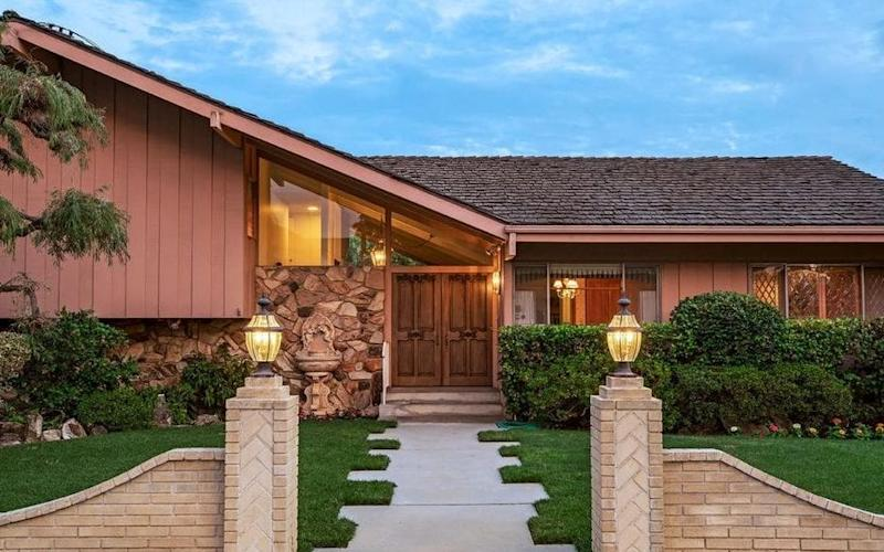 11222 Dilling St, North Hollywood - as used for exterior shots for The Brady Bunch - The MLS.com