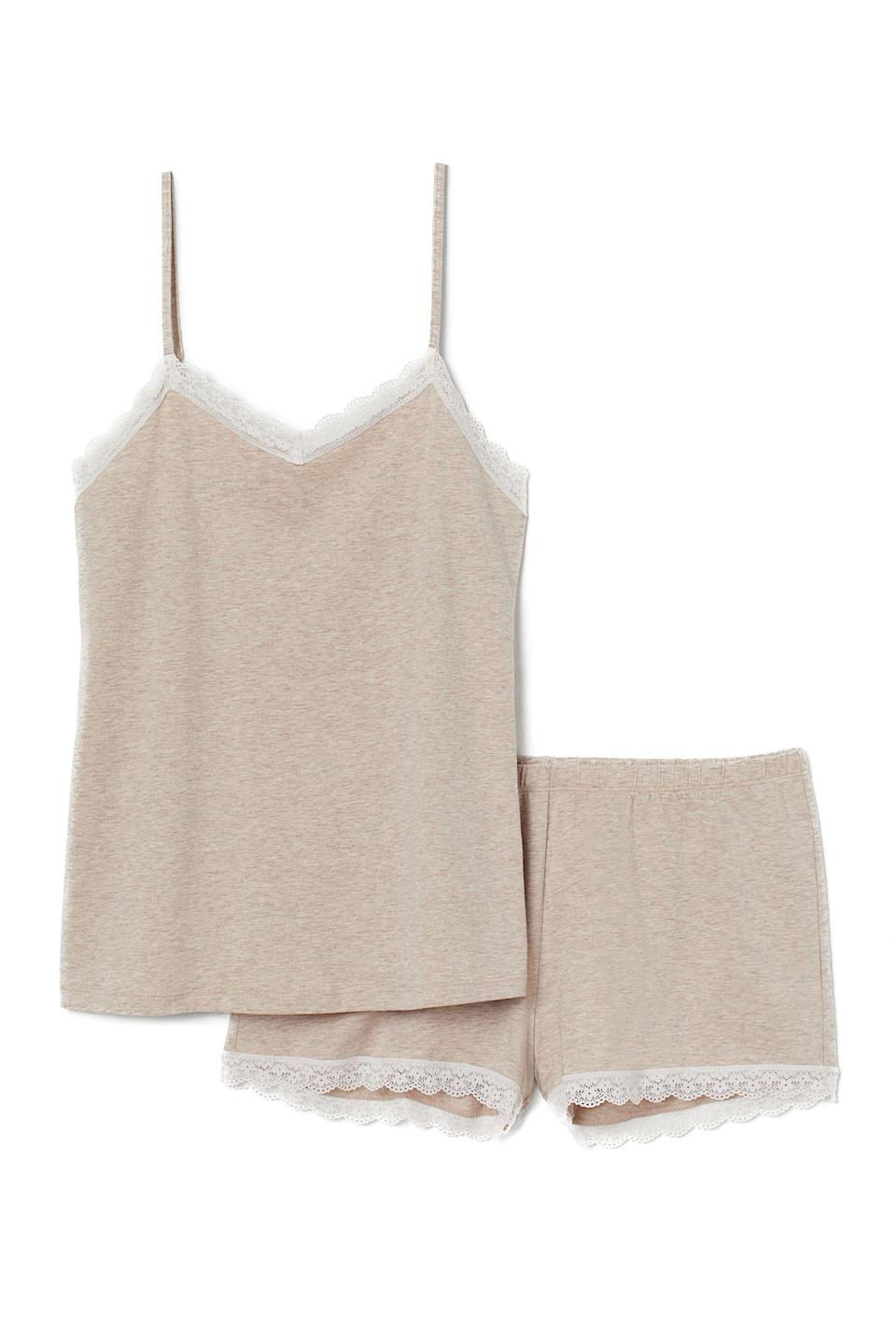 """<p><strong>H&M</strong></p><p>hm.com</p><p><strong>$17.99</strong></p><p><a href=""""https://go.redirectingat.com?id=74968X1596630&url=https%3A%2F%2Fwww2.hm.com%2Fen_us%2Fproductpage.0806241008.html&sref=https%3A%2F%2Fwww.elle.com%2Ffashion%2Fshopping%2Fg33955592%2Fgifts-for-book-lovers%2F"""" rel=""""nofollow noopener"""" target=""""_blank"""" data-ylk=""""slk:Shop Now"""" class=""""link rapid-noclick-resp"""">Shop Now</a></p><p>A neutral PJ set will make lazy Sundays so much better. </p>"""