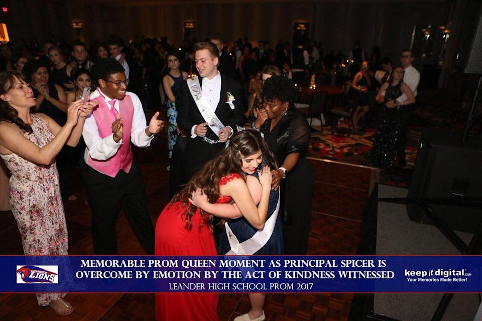 The two embraced after Keilany Solano handed over her sash and tiara to Abby Cano on prom night. (Photo: Twitter/Keepitdigital.com)