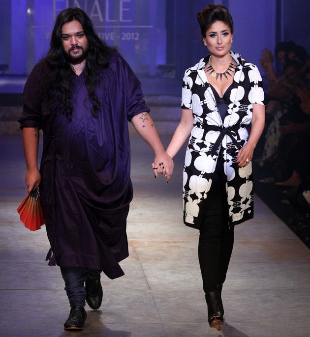 Kareena walks the ramp with designer Kalol Dutta