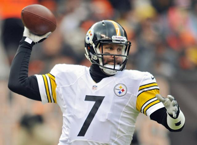 Pittsburgh Steelers quarterback Ben Roethlisberger passes against the Cleveland Browns in the first quarter of an NFL football game Sunday, Nov. 24, 2013. (AP Photo/David Richard)
