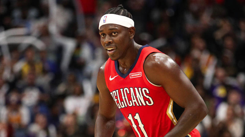 Jrue Holiday smiling during the game against the Lakers.
