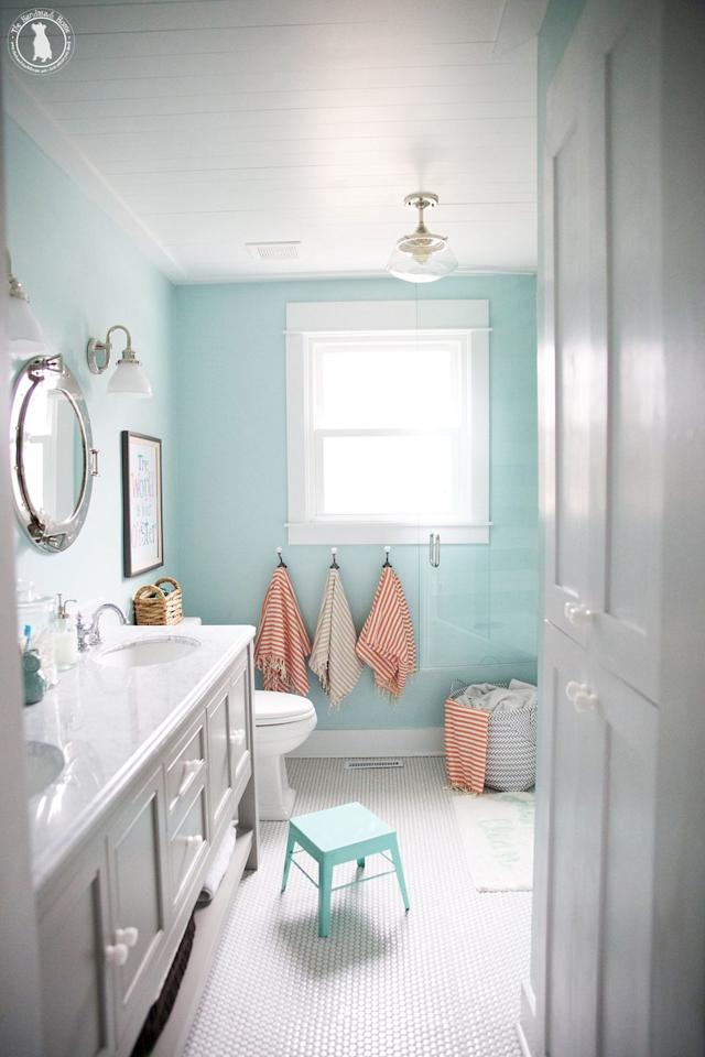 """<p>Colorful walls and striped Turkish towels make this shared bathroom extra lively. Who wouldn't want to take their turn in the tub?</p><p><strong>See more at <a href=""""https://www.thehandmadehome.net/kids-bathroom/"""" target=""""_blank"""">The Handmade Home</a>.</strong></p><p><a class=""""body-btn-link"""" href=""""https://www.amazon.com/Bersuse-Cotton-Malibu-Turkish-Inches/dp/B073PMXQSC/?tag=syn-yahoo-20&ascsubtag=%5Bartid%7C10050.g.31135713%5Bsrc%7Cyahoo-us"""" target=""""_blank"""">SHOP TOWELS</a></p>"""