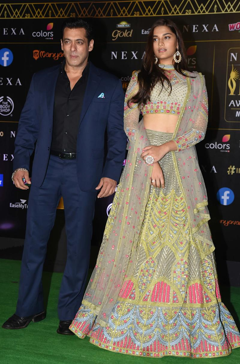 Salman Khan and Saiee Manjrekar at IIFA Awards. (Photo: SUJIT JAISWAL via Getty Images)