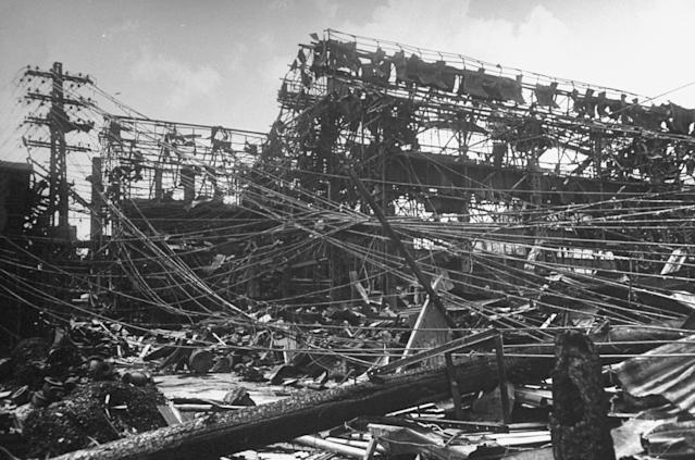<p>The remains of Mitsubishi steel plant, which was 1 1/2 miles from where the U.S. dropped an atomic bomb in Nagasaki, Japan. (Photo: Bernard Hoffman/The LIFE Picture Collection/Getty Images) </p>