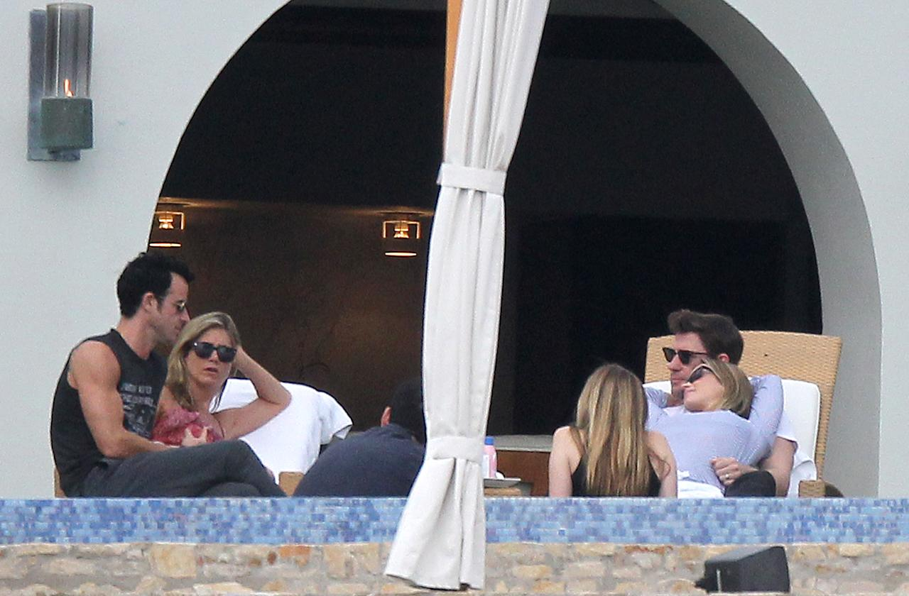 Jennifer Aniston and Justin Theroux hang out in Sunny Mexico with John krasinski, Emily Blunt, Jimmy Kimmel and Jimmy's wife molly mcnearney while on their Christmas and new year break