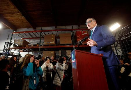 Washington state Governor Inslee speaks during a news conference to announce his decision to seek the Democratic Party's nomination for president in 2020 at A&R Solar in Seattle, Washington, U.S., March 1, 2019.  REUTERS/Lindsey Wasson
