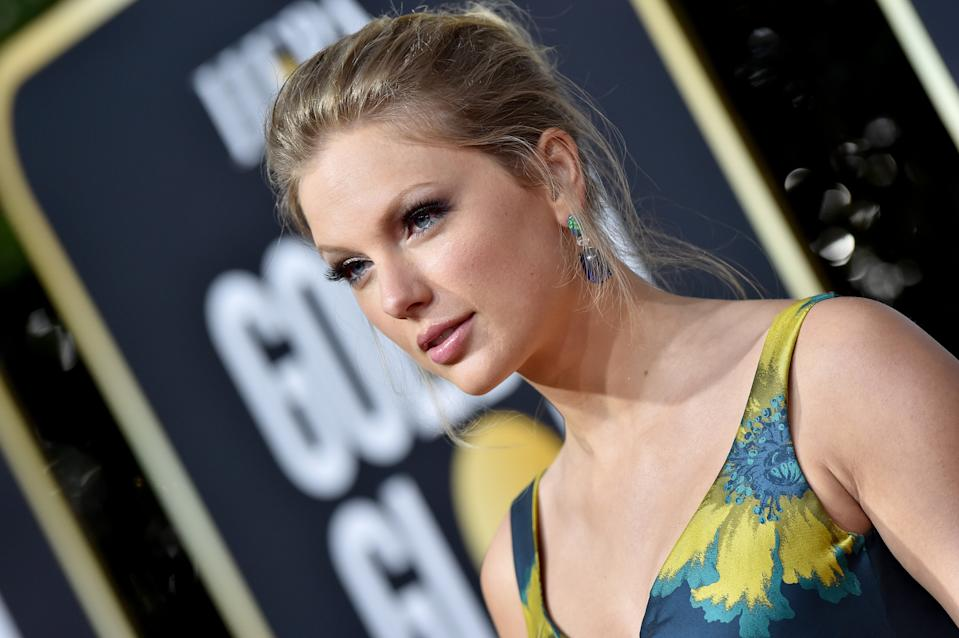 Taylor Swift attends the 77th Annual Golden Globe Awards at The Beverly Hilton Hotel on January 05, 2020 in Beverly Hills, California. (Photo by Axelle/Bauer-Griffin/FilmMagic)