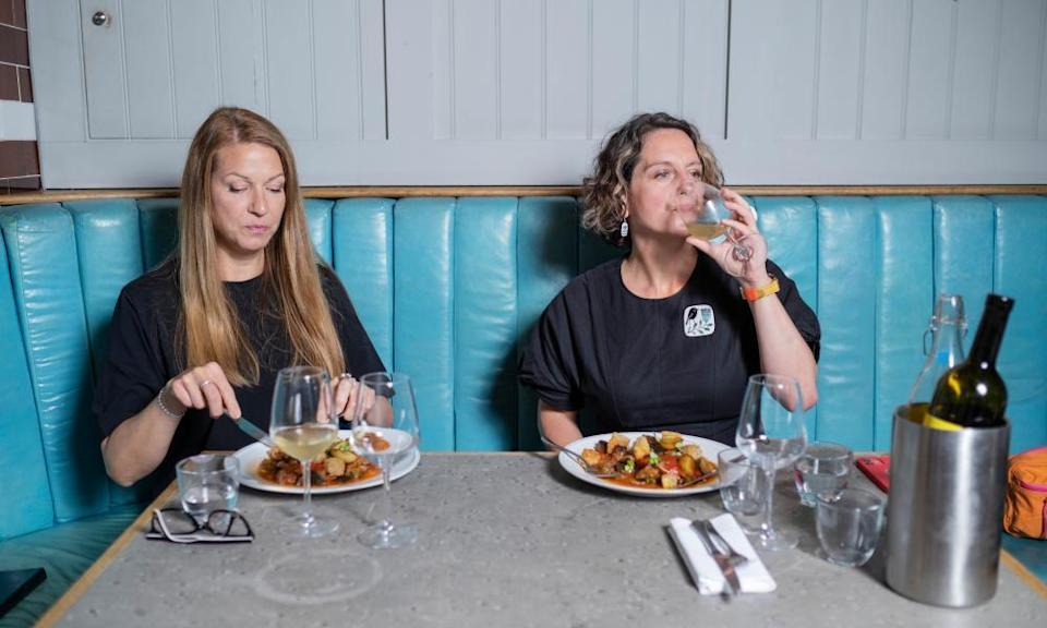 Abigail Gollicker and Laura Walsh for Weekend's Dining Across the Divide. Photo by Linda Nylind. 3/9/2021.