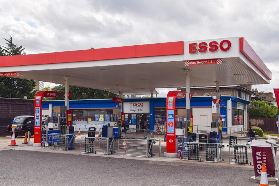 A barricaded Esso petrol station is seen in Camden as the fuel shortage continues. Many stations have run out of petrol as a result of a shortage of truck drivers due to Brexit, along with panic buying. (Photo by Vuk Valcic / SOPA Images/Sipa USA)