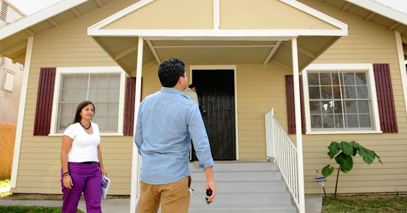 Millennials want to buy houses but can't get mortgages