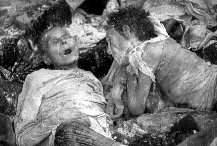bodies of prisoners shortly after camp was liberated