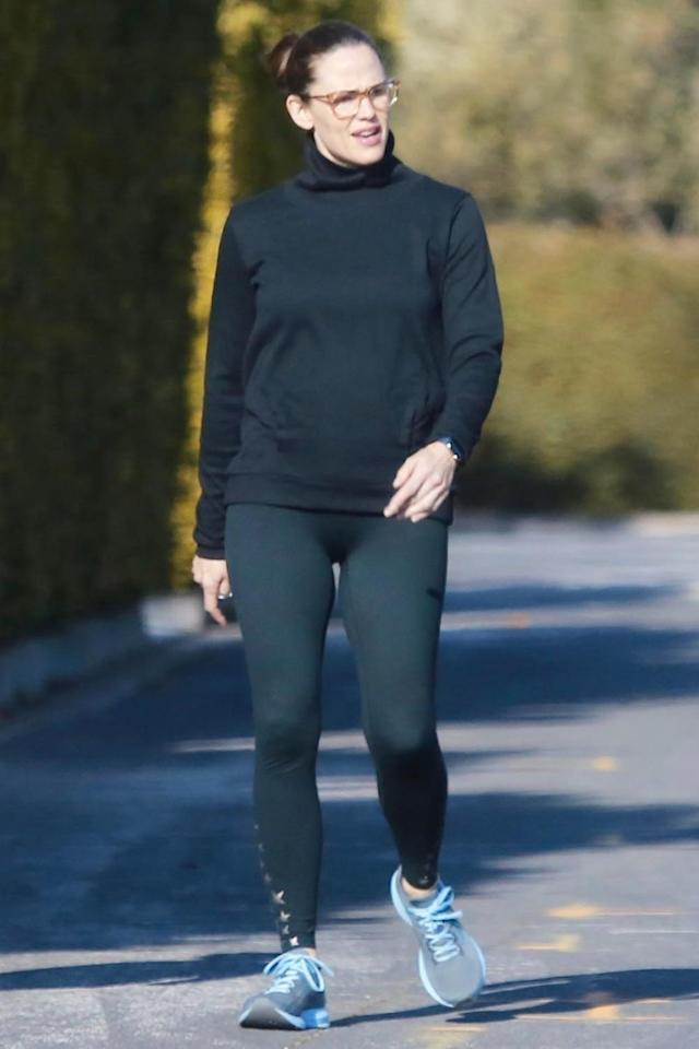 <p>Jennifer Garner puts on her running gear to go for a power walk on Thursday in Pacific Palisades, California.</p>