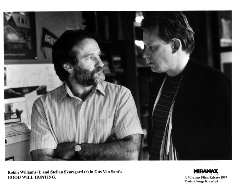 """CIRCA 1997 Actor Robin Williams and director Gus Van Sant on the set of the Miramax movie """"Good Will Hunting"""", circa 1997. (Photo by Michael Ochs Archives/Getty Images)"""