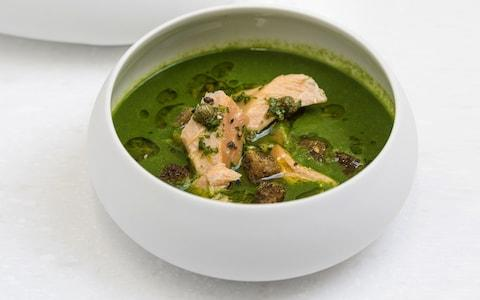 Wild garlic and parsley soup