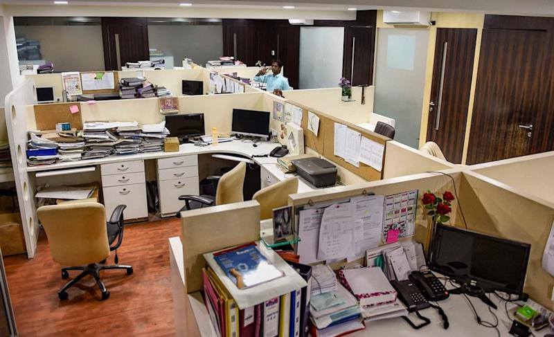 Maharashtra Govt Staff Must Report to Work Once a Week or Face Pay Cut
