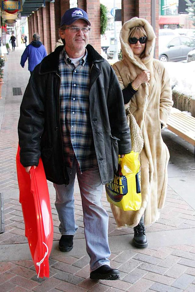 "Also spotted at the popular Colorado winter getaway were Kurt Russell and Goldie Hawn. Wonder if Goldie ended up tobogganing in that coat? <a href=""http://www.x17online.com"" target=""new"">X17 Online</a> - December 18, 2007"