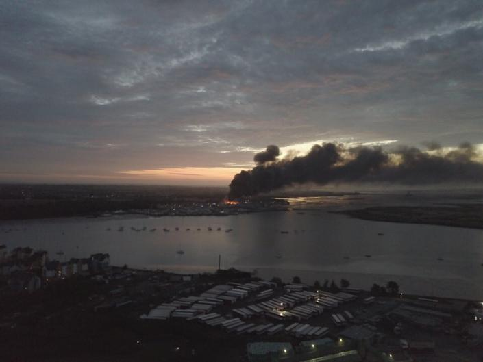Witnesses took to Twitterto post images of the devastating fire (Luna Frankland/Twitter)