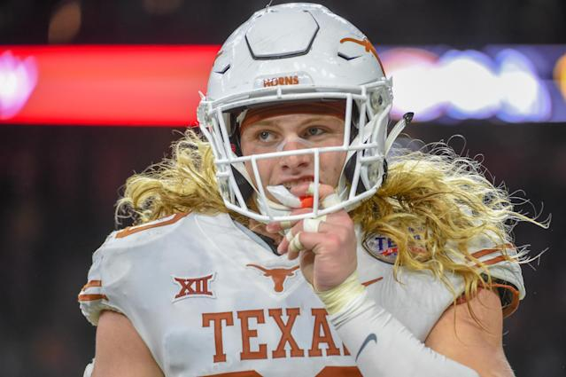 "<a class=""link rapid-noclick-resp"" href=""/ncaaf/teams/tth"" data-ylk=""slk:Texas Longhorns"">Texas Longhorns</a> DE <a class=""link rapid-noclick-resp"" href=""/ncaaf/players/257195/"" data-ylk=""slk:Breckyn Hager"">Breckyn Hager</a> showcased a fascinating personality at Big 12 media days.  (Photo by Ken Murray/Icon Sportswire)"