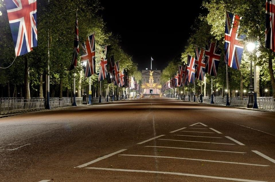 It's oh so quiet..... but not for much longer - Jubilee preparations in The Mall