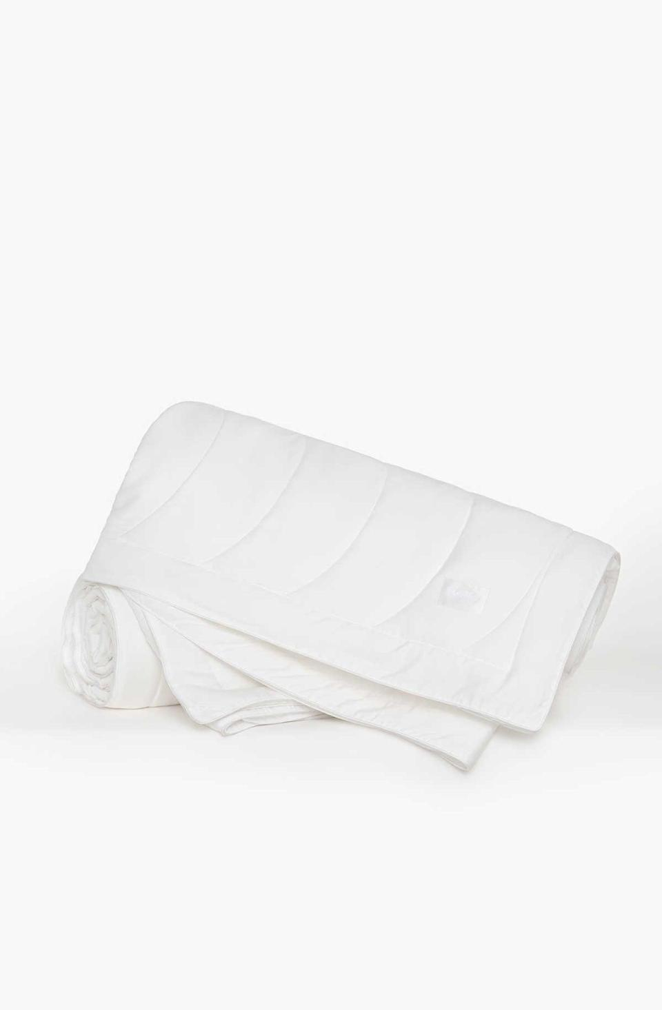 <p><span>Buffy Breeze Comforter</span> ($219 for a full/queen)</p>