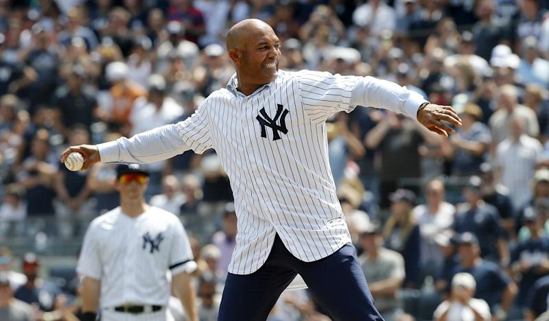Yankees' Rivera Is Latest Athlete to Receive Medal of Freedom