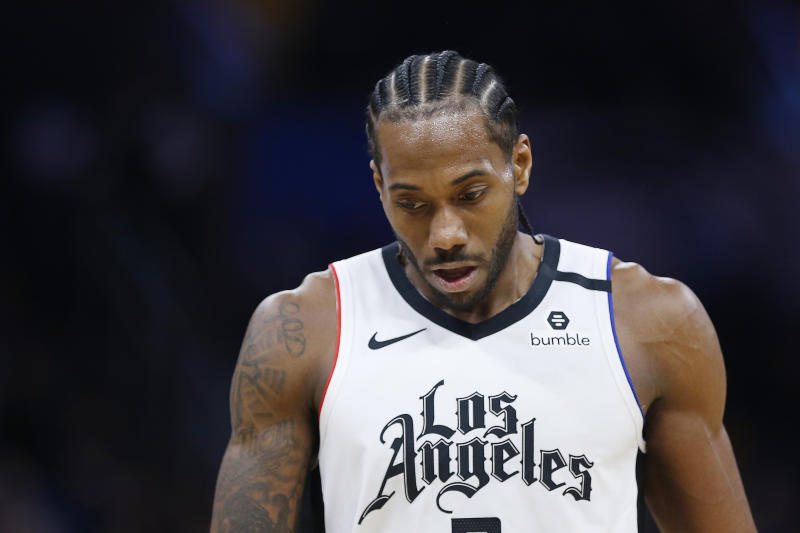 Kawhi Leonard missed the Clippers' game against the Kings on Thursday due to back tightness.