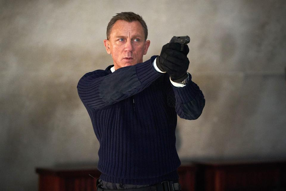 James Bond (Daniel Craig) prepares to shoot in NO TIME TO DIE, a DANJAQ and Metro Goldwyn Mayer Pictures film.