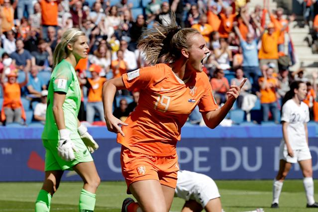 Jill Roord of Holland Women celebrates 1-0 during the World Cup Women match between New Zealand v Holland at the Stade Oceane on June 11, 2019 in Le Havre France (Photo by Eric Verhoeven/Soccrates/Getty Images)