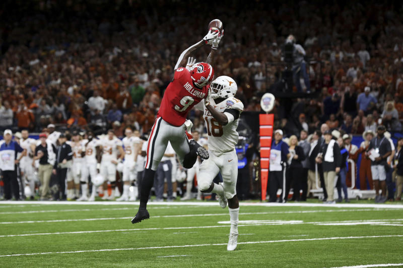 Georgia kicks WR Holloman off team after assault allegation | AP sports