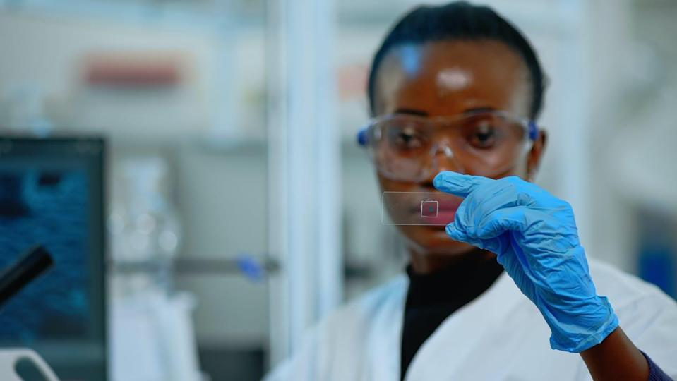 """<span class=""""caption"""">Women from racialized communities in STEM education face the double bind of race and gender.</span> <span class=""""attribution""""><span class=""""source"""">(Shutterstock)</span></span>"""