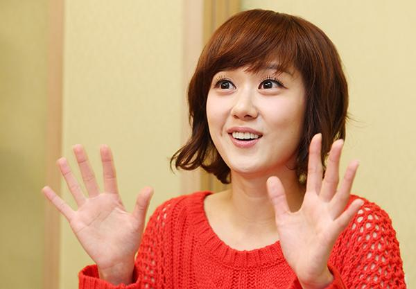 Jang Na-ra returns to TV in 'School'
