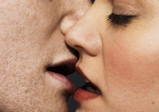 People kiss in a very specific way, according to scientific research. (Photo: Getty Images)